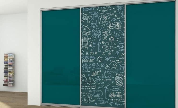 Двери-купе цветное стекло